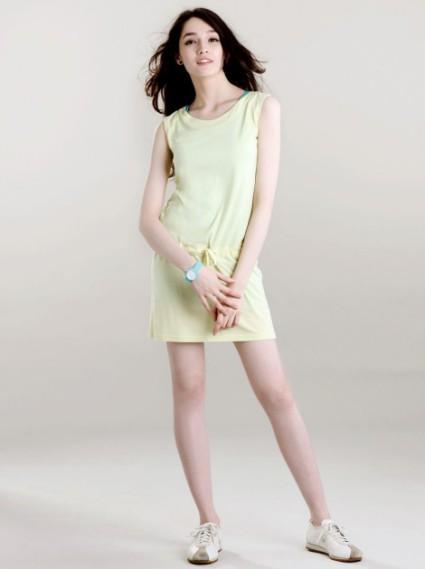 拼接無袖腰鬆緊洋裝-鵝黃(微透膚)