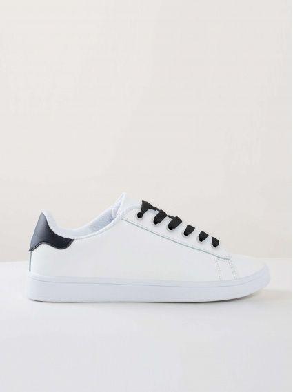 無印小白鞋-黑