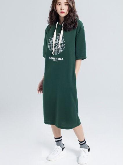 連帽抽繩印花長洋裝-綠