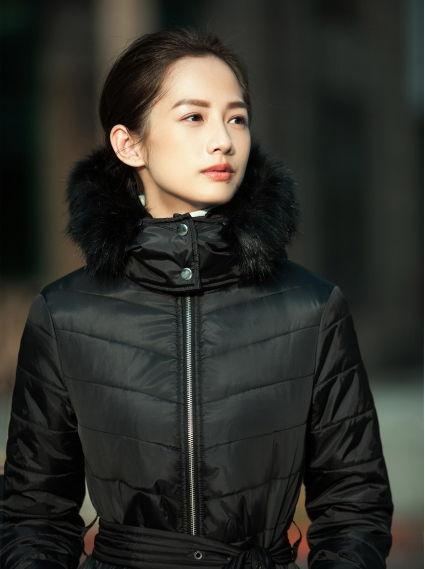 毛領防水長版羽棉外套-黑