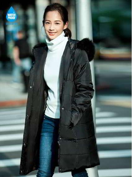 毛領寬版防水羽棉外套-黑