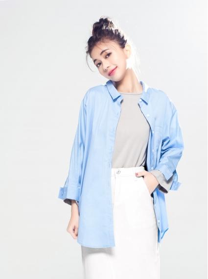 純棉寬鬆七分袖襯衫-淺藍