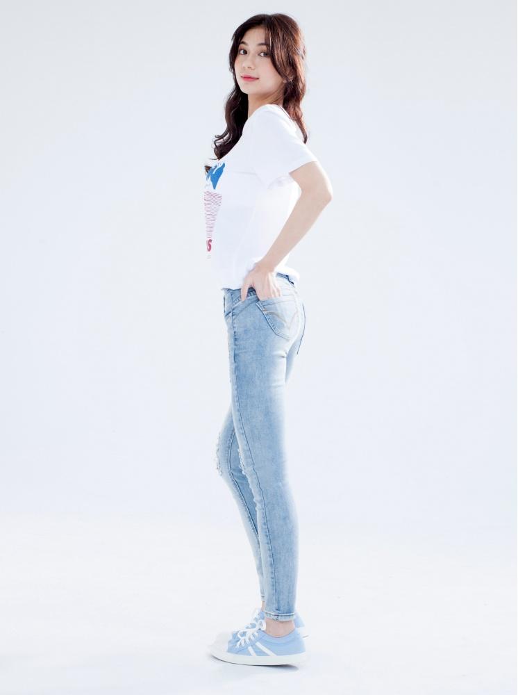 【顯瘦/刷色】縮脂細腿刷瘦牛仔褲-淺藍