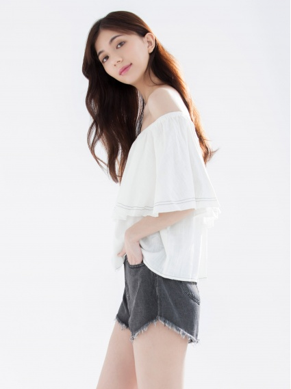 大荷葉配色線短上衣-白
