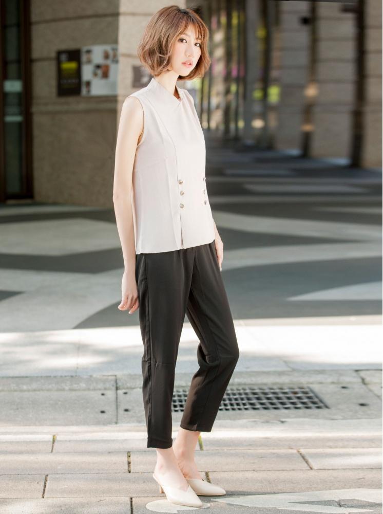 高領飾釦背心-淺粉