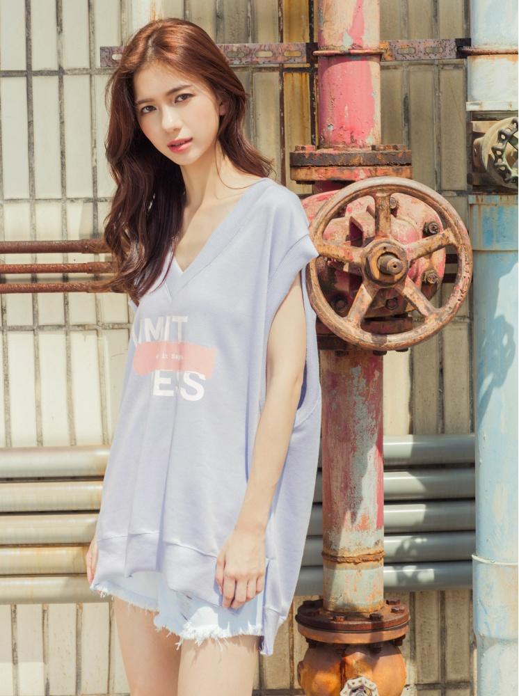 寬鬆V領無袖上衣-粉紫