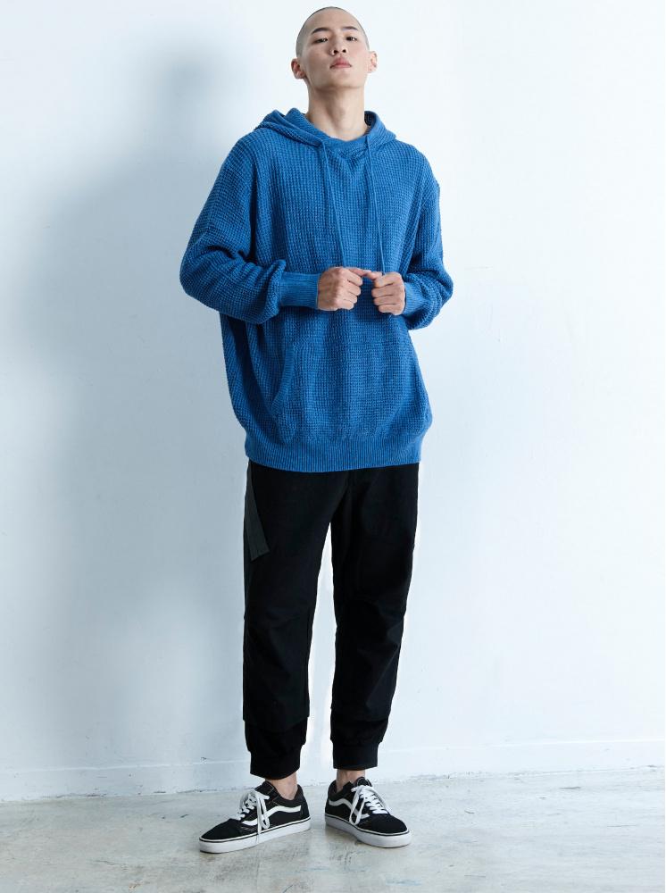 男款裝飾織帶螺紋縮口褲-黑