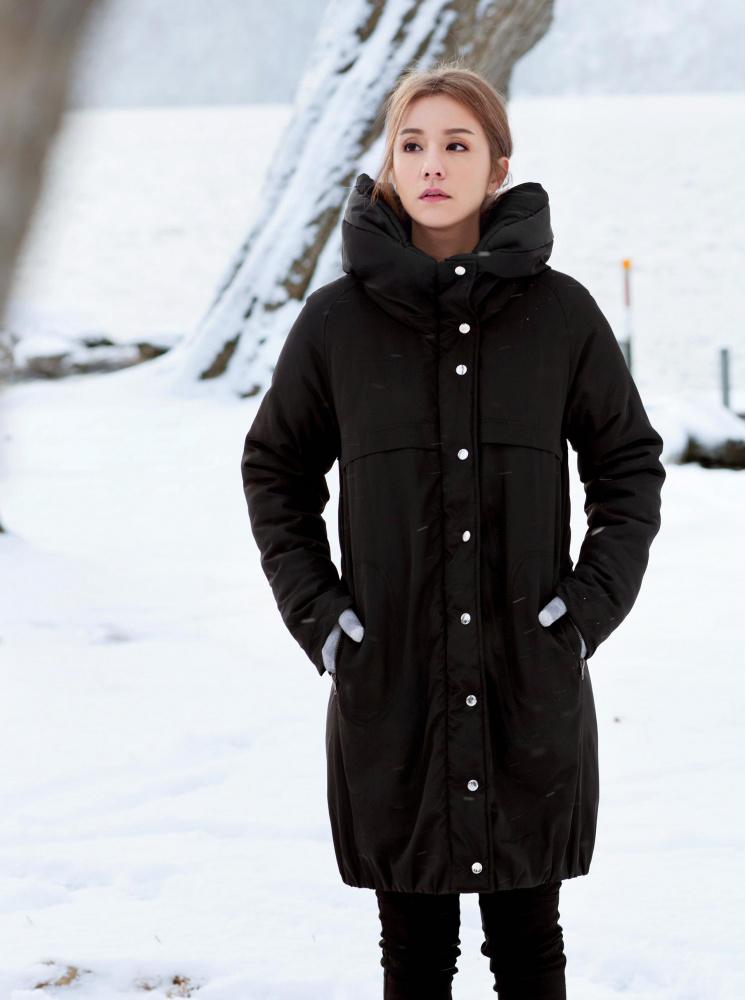 闊型高領長版羽棉外套-黑